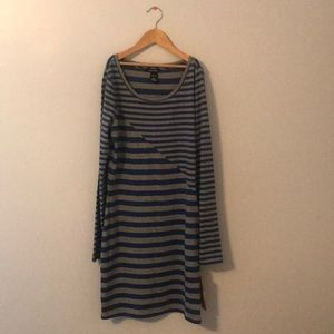 I am selling a DKNY jeans dress